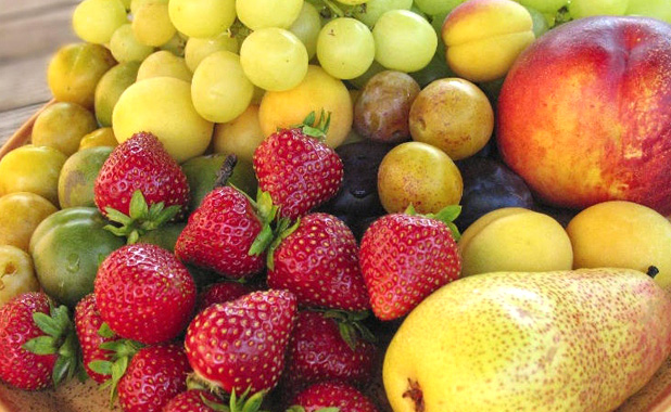Selections of chilled seasonal fruit