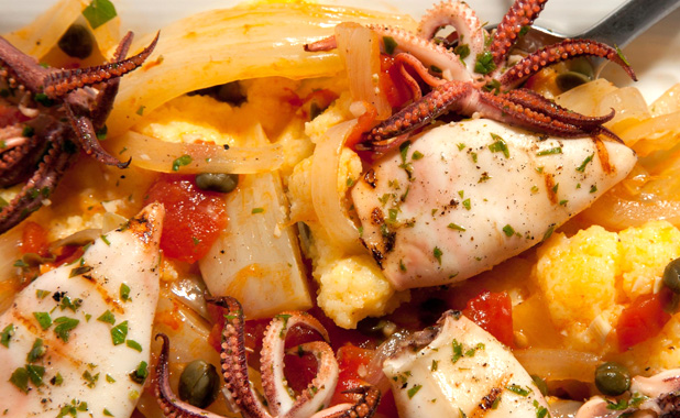 Octopus salad with tomatoes and capers
