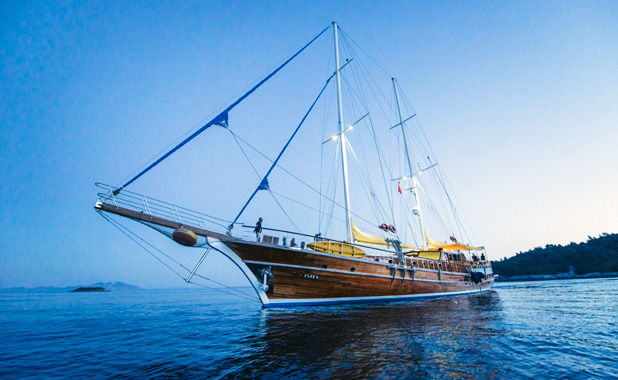 Large luxury yacht for 17 guests cruising Greek Islands & Turkish coast