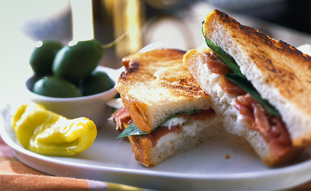 Cream cheese and bacon toasted sandwiches