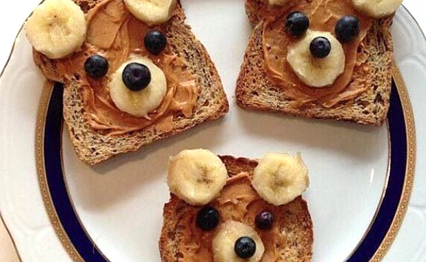 Peanut butter, banana and blueberry brown bears