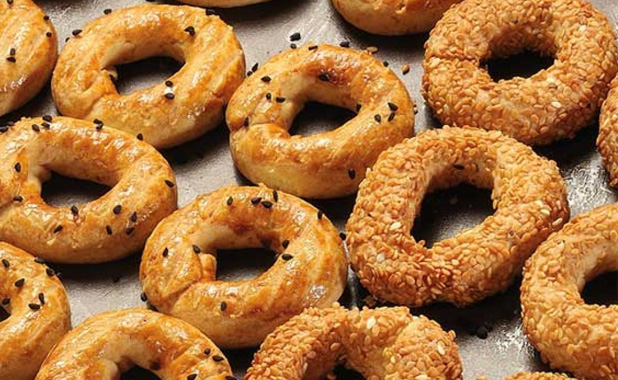 Savory pastry rings